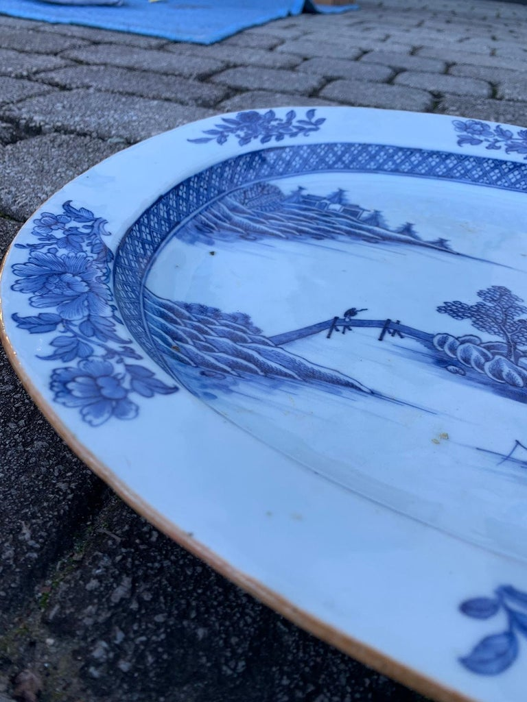 18th Century Large Chinese Blue and White Charger For Sale 1