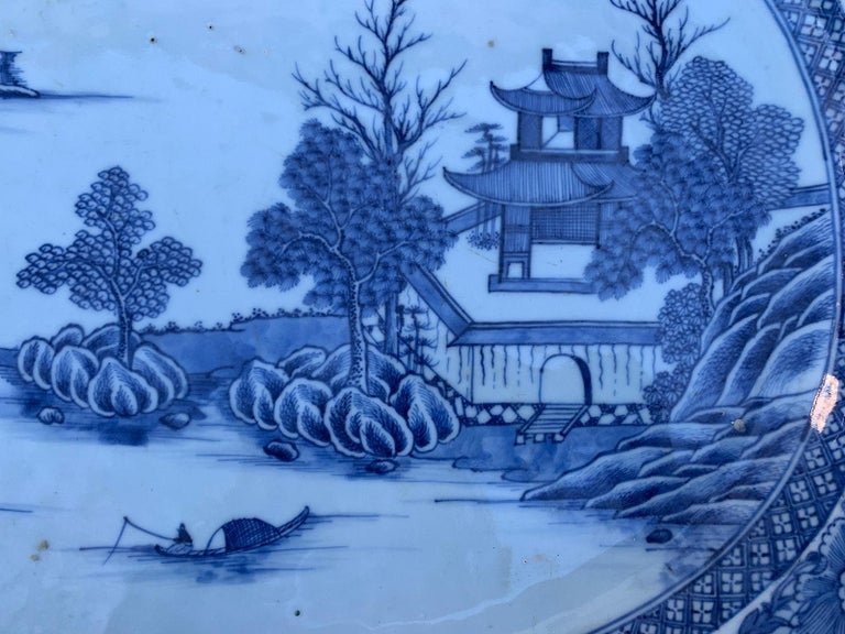 18th Century Large Chinese Blue and White Charger For Sale 2