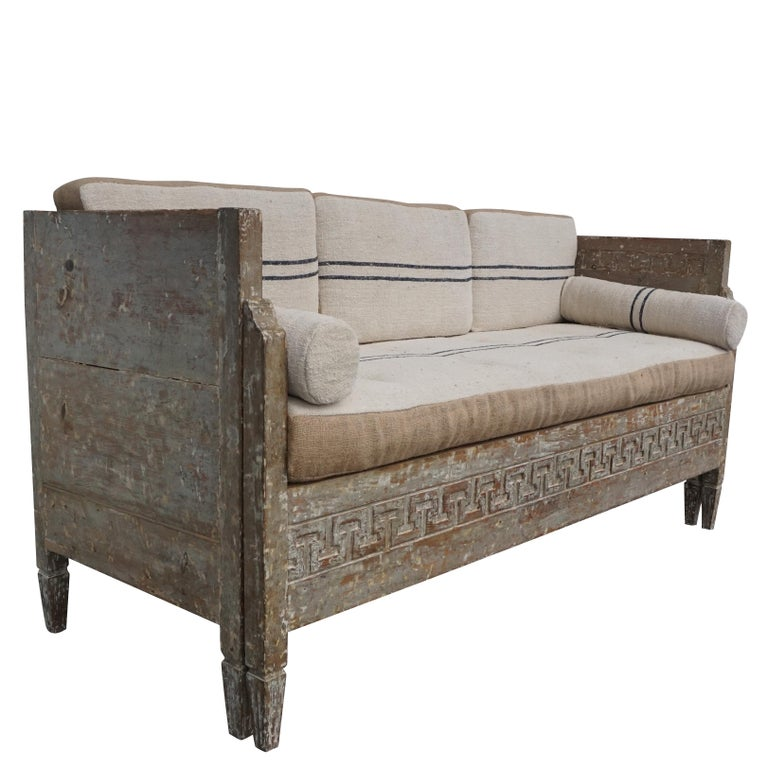 Hand-Carved 18th Century Lit Du Jour, Swedish Gustavian Pinewood Day Bed, Antique Wood Sofa For Sale
