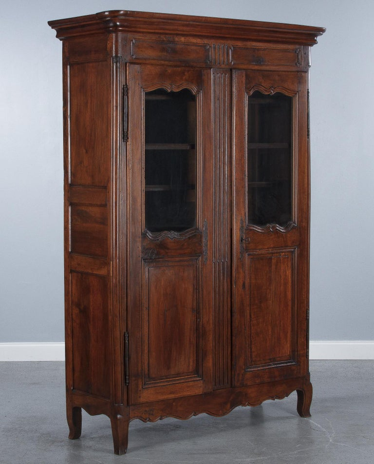 18th Century Louis XIV French Walnut Armoire or Vitrine For Sale 3