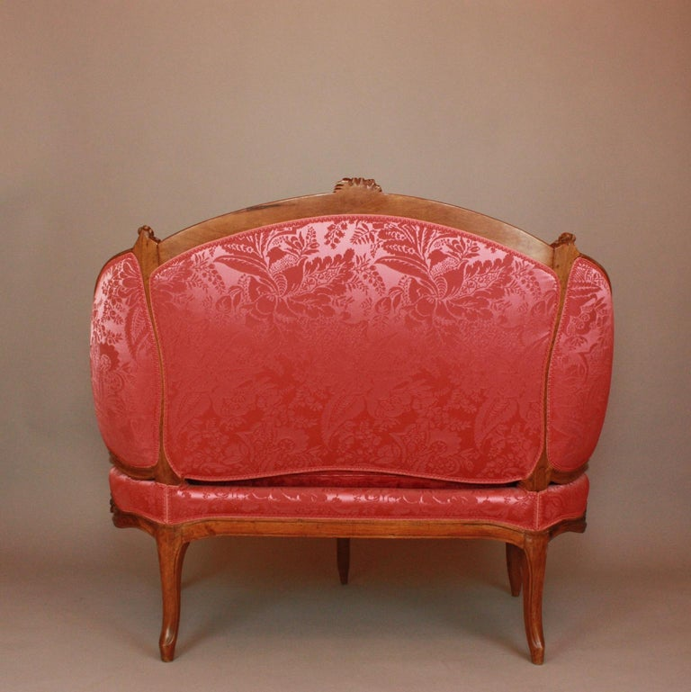 18th Century Louis XV Carved Walnut Settee 'Canape en Corbeille' For Sale 8