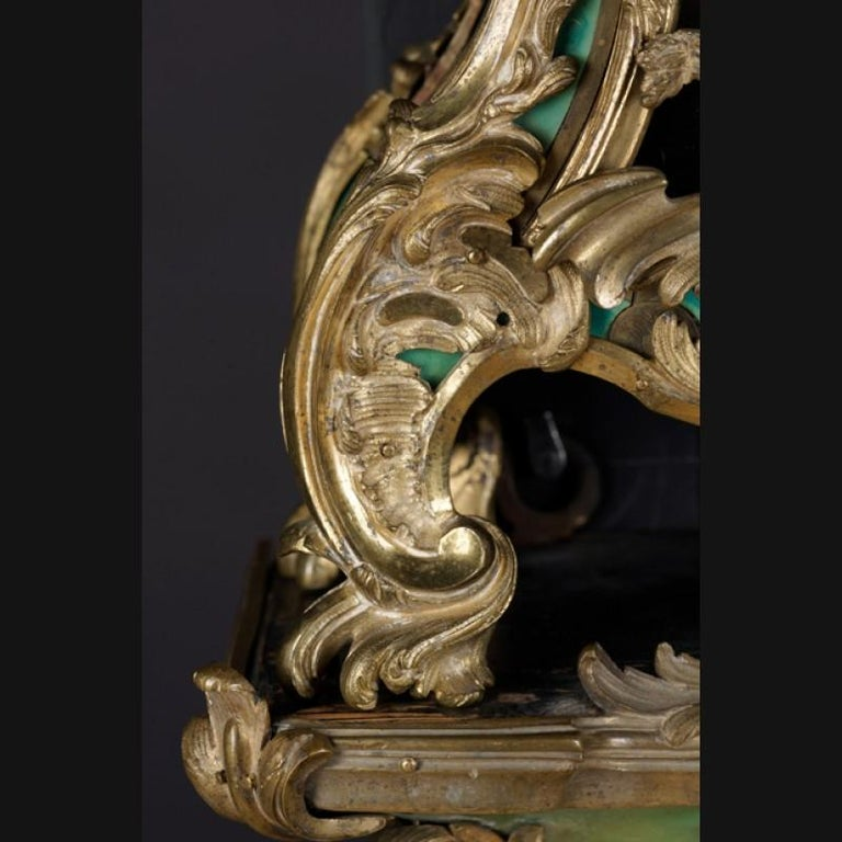 18th Century Louis XV French Bronze-Gilt Clock on Console In Good Condition For Sale In Berlin, DE