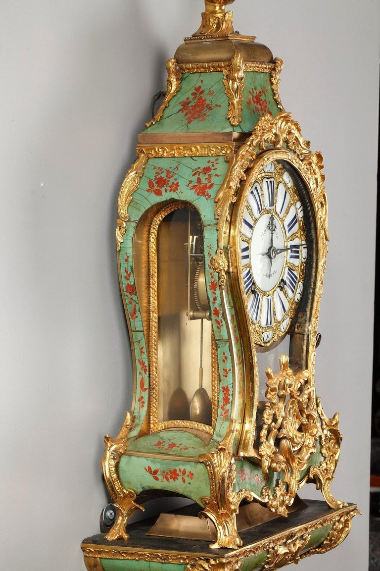 18th Century Louis XV Green Horn Cartel Clock For Sale 5