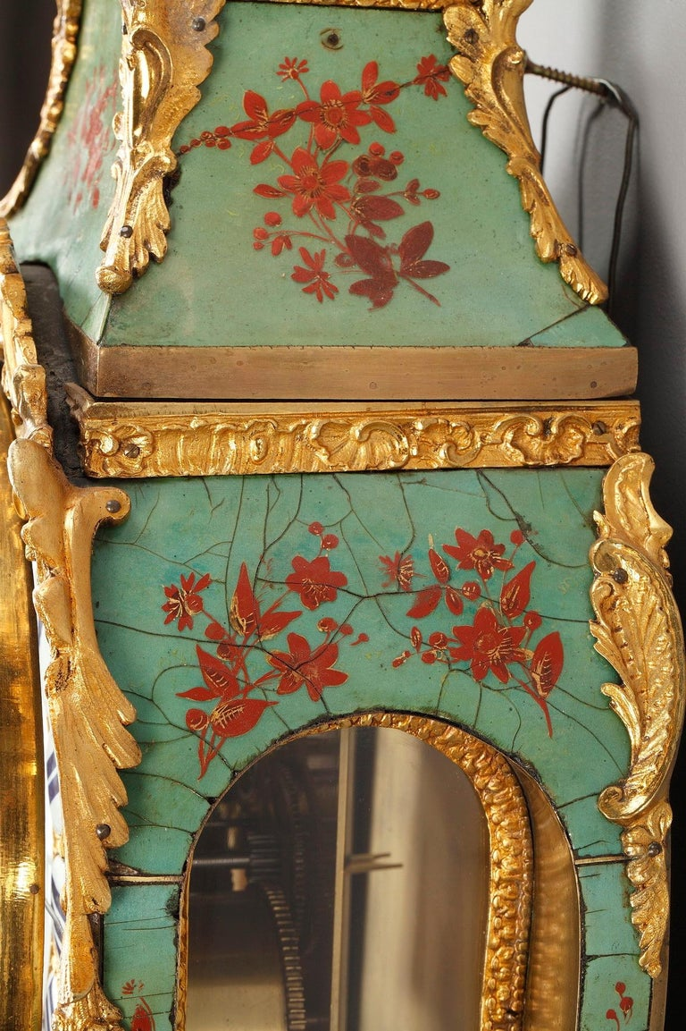18th Century Louis XV Green Horn Cartel Clock For Sale 9