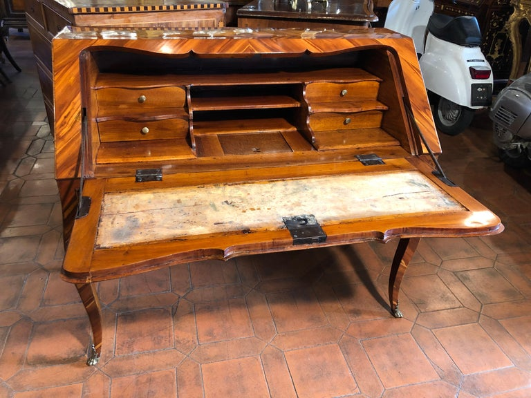 18th Century Louis XV Walnut and Olive Italian Bureau Secretaire, Naples 1760s For Sale 3