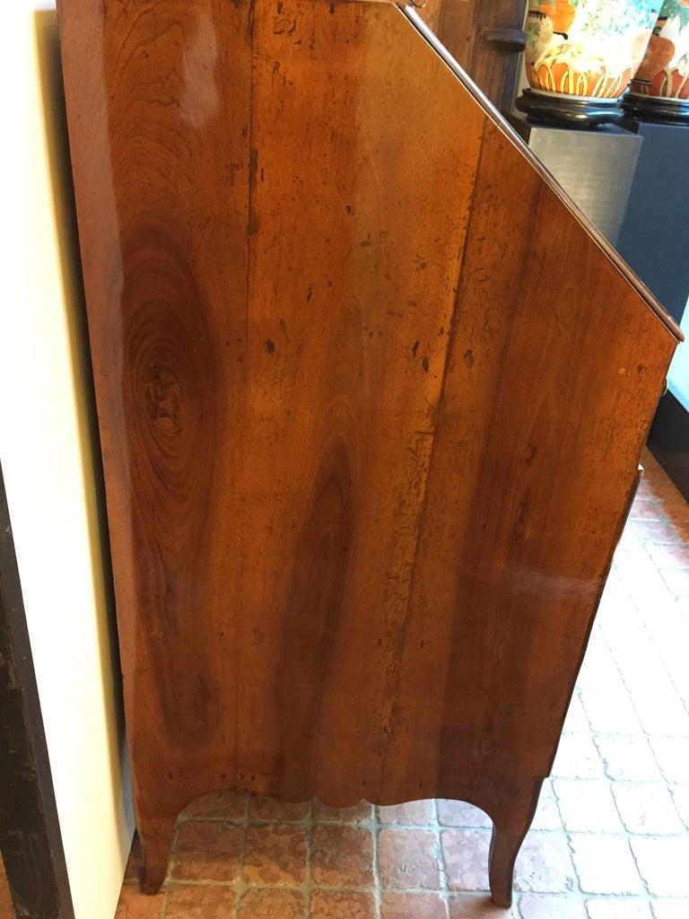 18th Century Louis XV Walnut Bureau Italian Genoese Drop-Front Desk For Sale 7