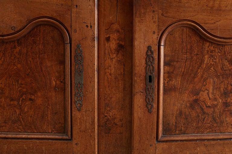 18th Century Louis XV Walnut Vaisselier Buffet Sideboard For Sale 2