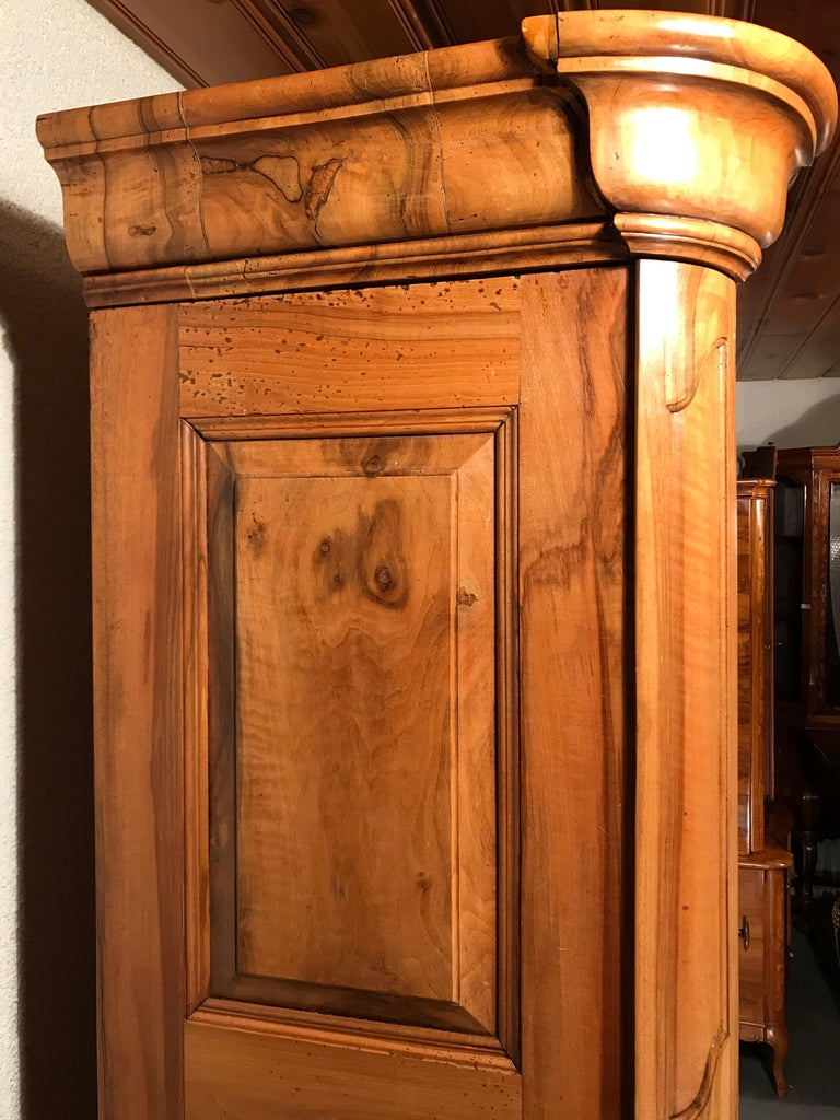 18th Century Louis XVI Armoire Carved Walnut, South Germany, 1780 For Sale 1