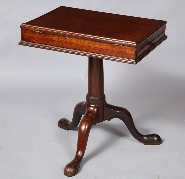 English 18th Century Mahogany Bookstand For Sale