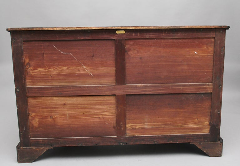 18th Century Mahogany Kneehole Desk For Sale 2