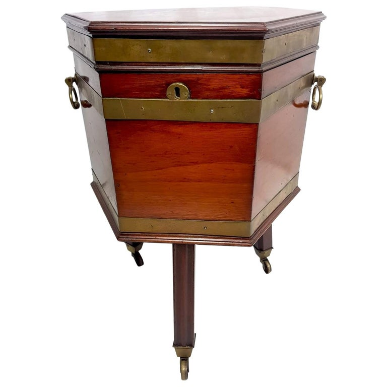 18th Century Mahogany Wine Cooler For Sale