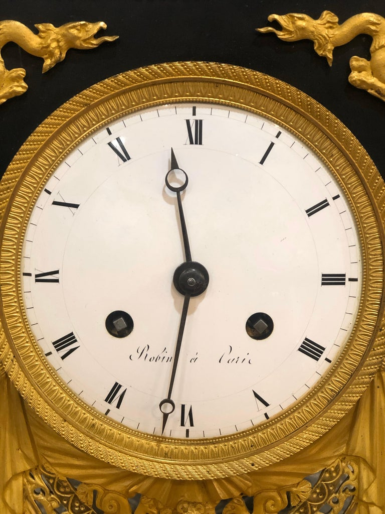 Monumental clock in French marble, signed Robert Robin (1741-1799) is one of the most important Parisian clockmakers of the late 18th century. Having received the titles of Valet de Chambre-Horloger Sort du Roi et de la Reine in 1783 and