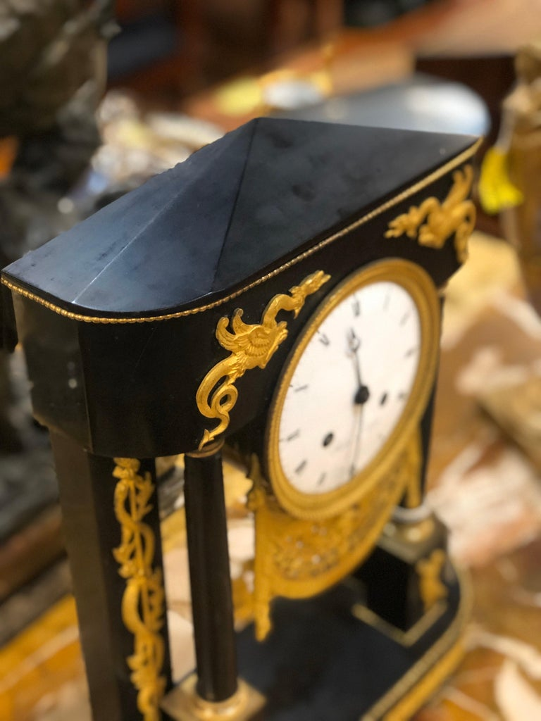18th Century French Black Marble Clock Louis XVI Robert Robin In Good Condition For Sale In Roma, RM