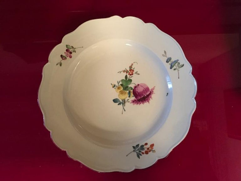 18th Century Meissen 12 Antique Floral Baroque Style Porcelain Dining Dishes For Sale 6