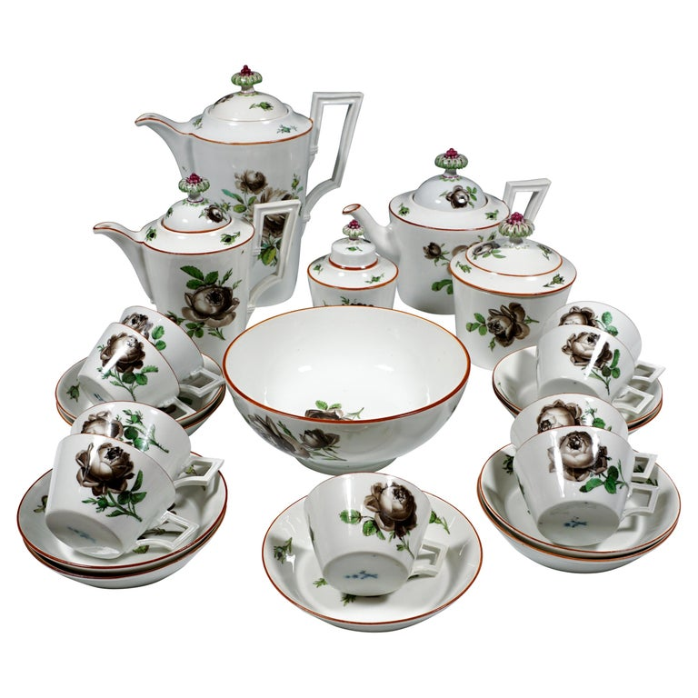 18th Century Meissen Coffee & Tea Set for 9 Persons with Black Rose Decor For Sale