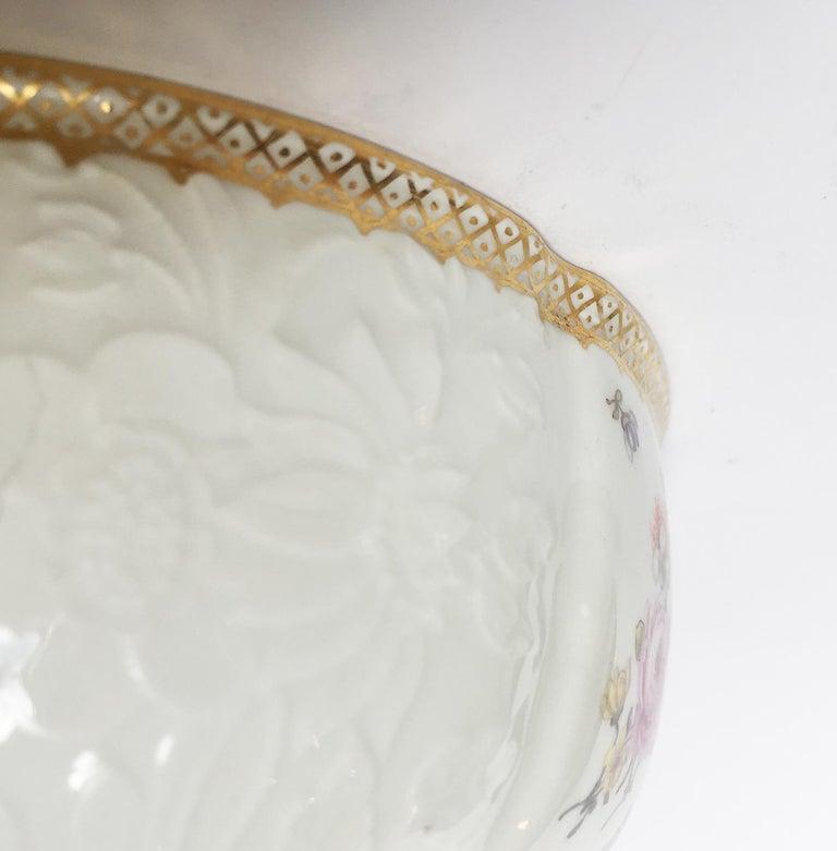 18th Century Meissen Pair of Porcelain Sugar Bowls, circa 1760 For Sale 9