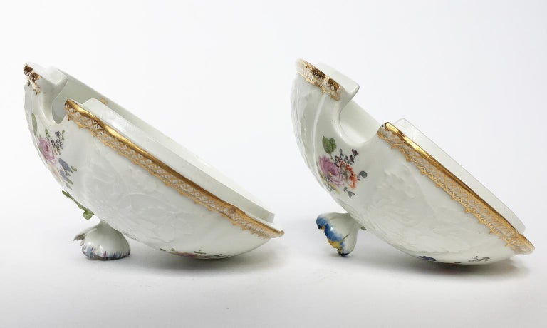 18th Century Meissen Pair of Porcelain Sugar Bowls, circa 1760 For Sale 10