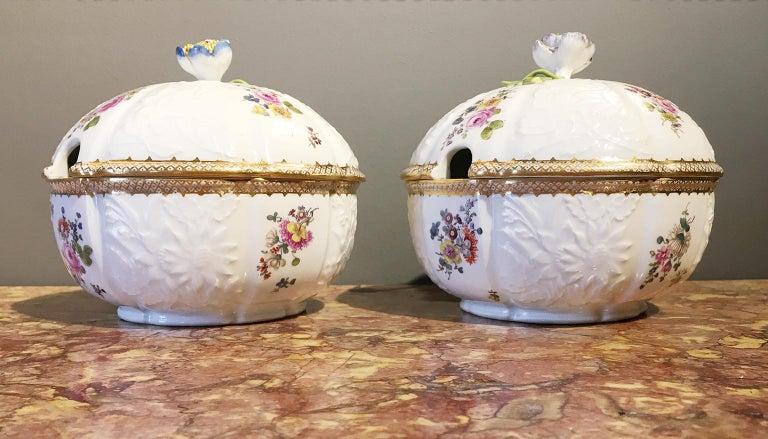 18th Century Meissen Pair of Porcelain Sugar Bowls, circa 1760 For Sale 11
