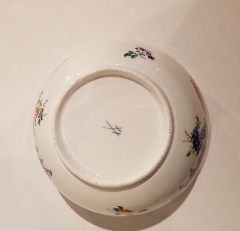 Hand-Painted 18th Century Meissen Porcelain Bowl For Sale