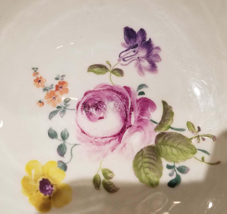 18th Century Meissen Porcelain Bowl In Good Condition For Sale In New York, NY