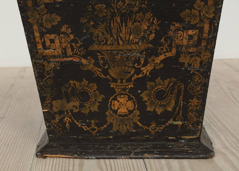 18th Century Neoclassical Gustavian Chinoiserie Container, Sweden, circa 1775 For Sale 3