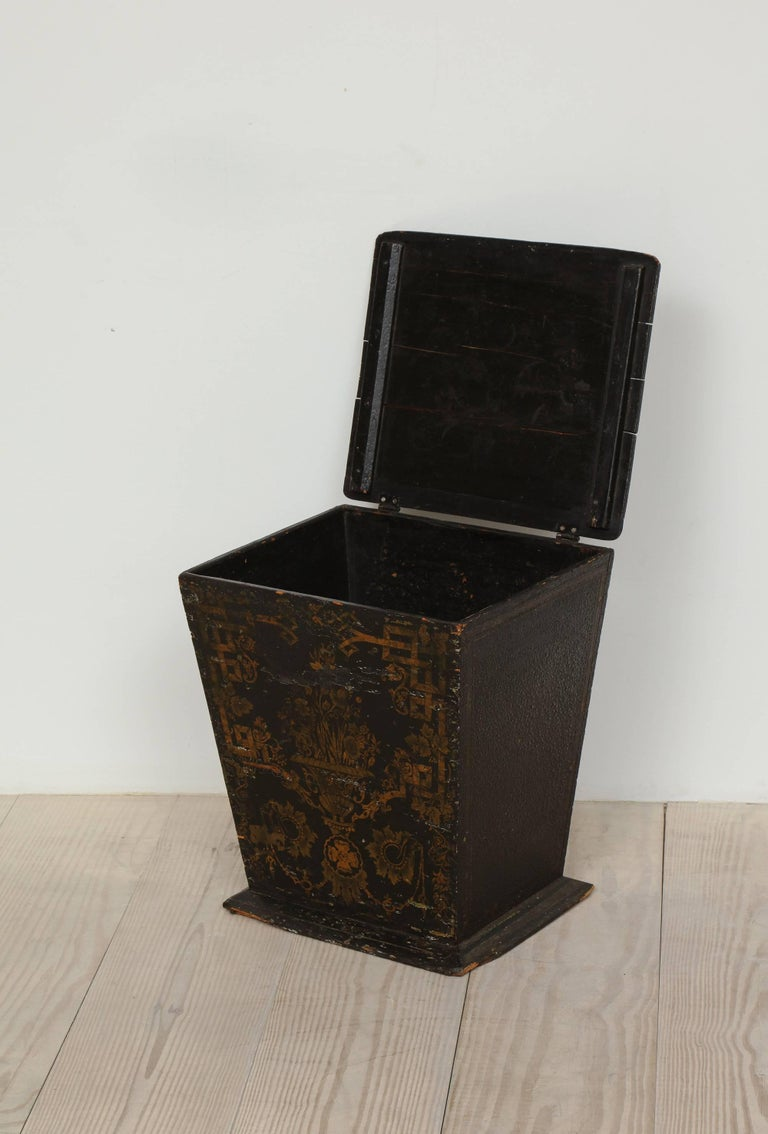 18th Century and Earlier 18th Century Neoclassical Gustavian Chinoiserie Container, Sweden, circa 1775 For Sale