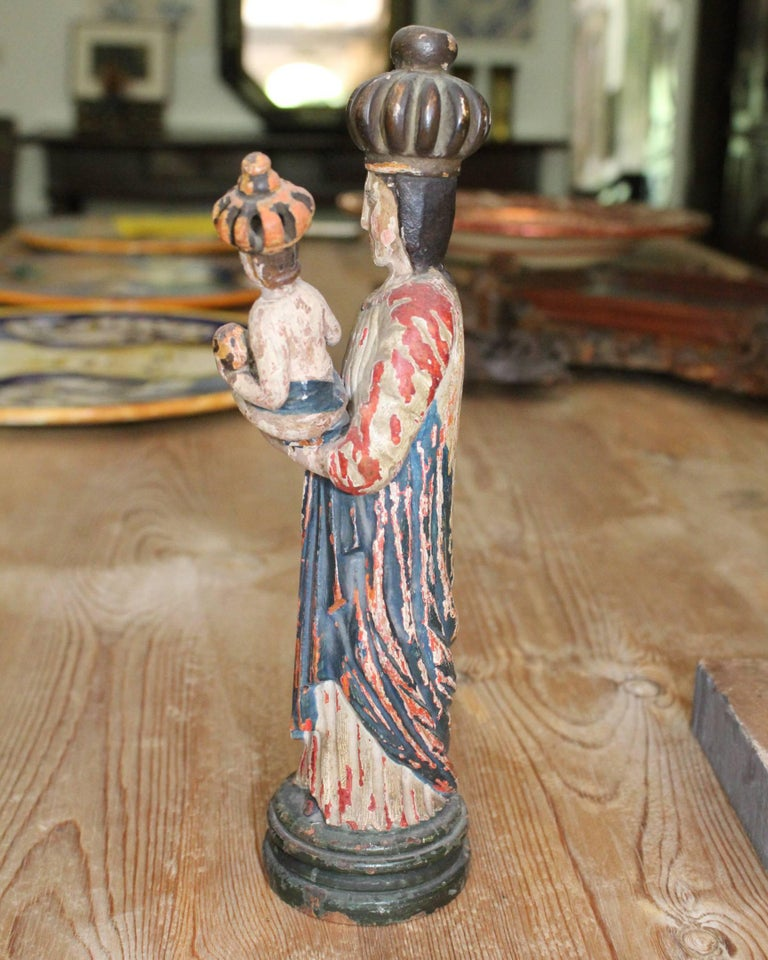 Polychromed 18th Century North Spanish Polychrome Wooden Virgin Sculpture For Sale