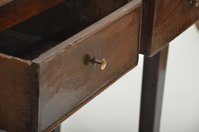 18th Century Oak Server, England, circa 1760 In Good Condition For Sale In East Hampton, NY