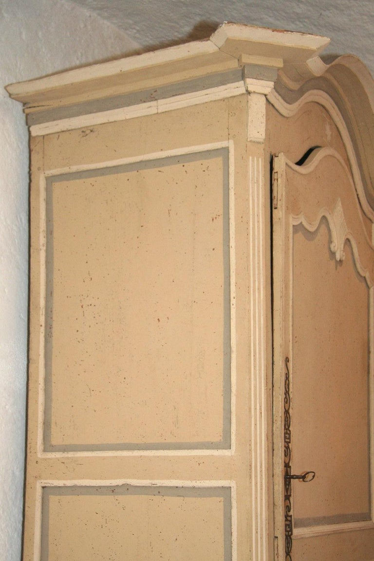 18th Century Painted Cabinet from Provence in Yellow, Grey and Off-White For Sale 1