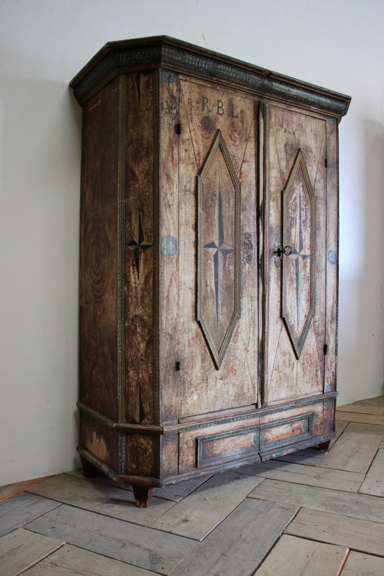 18th Century Painted Cupboard in Original Paint For Sale 2