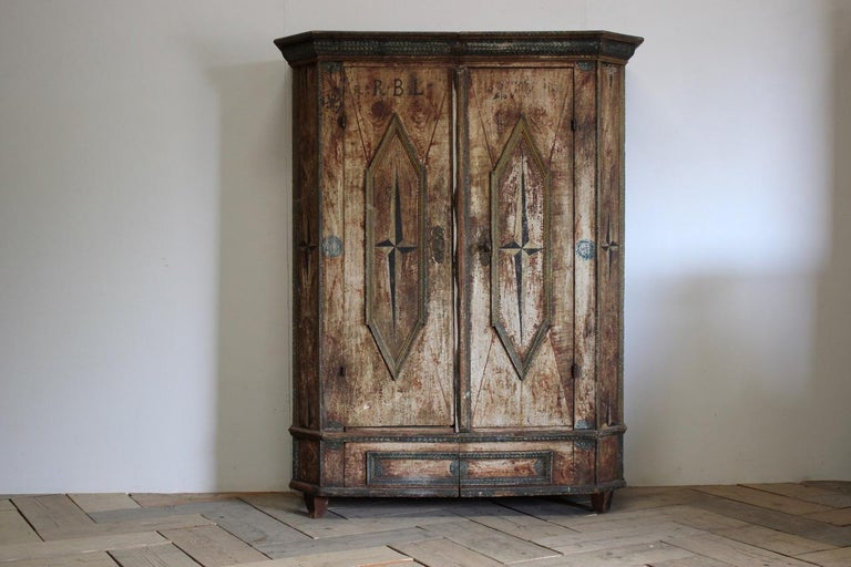 18th Century Painted Cupboard in Original Paint For Sale 3