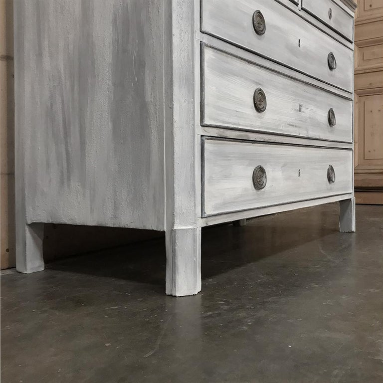 18th Century Painted Swedish Chest of Drawers For Sale 4