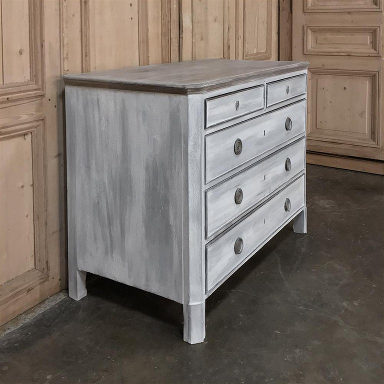 18th Century Painted Swedish Chest of Drawers For Sale 6