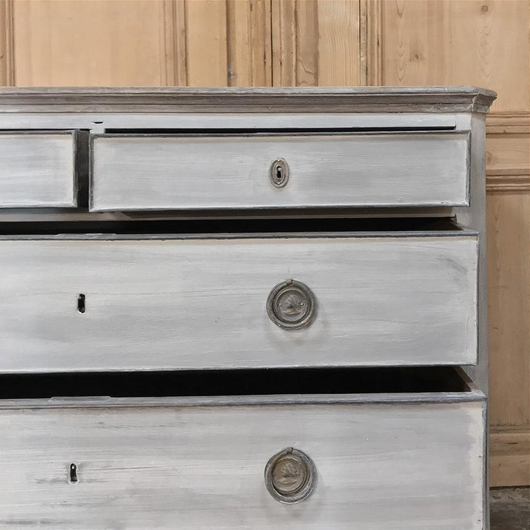 18th Century Painted Swedish Chest of Drawers For Sale 7