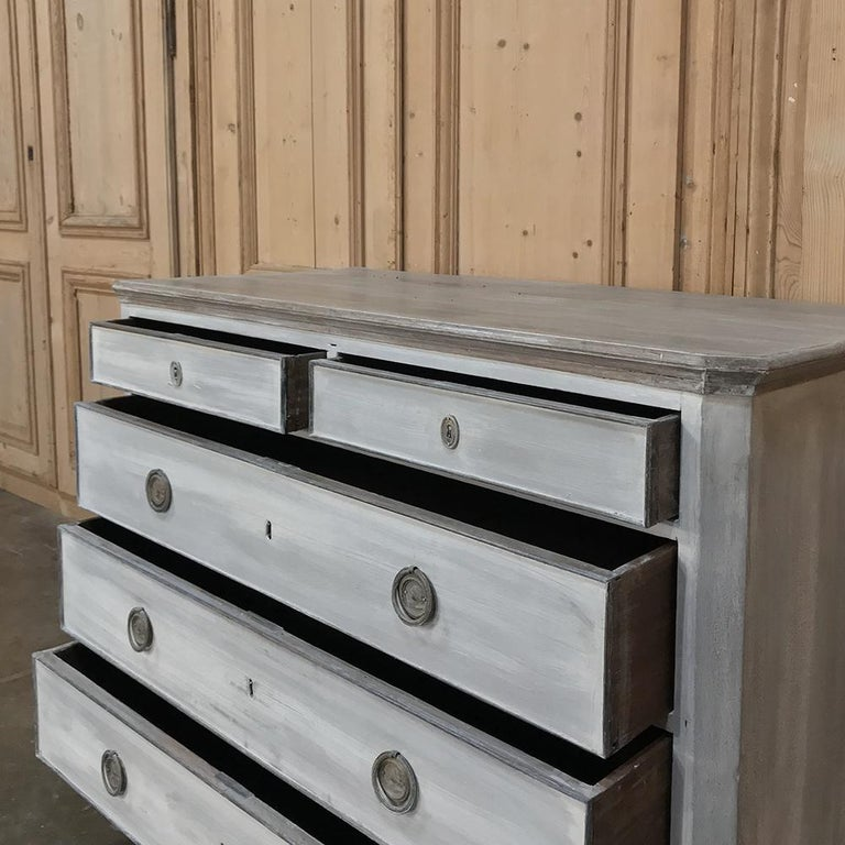18th Century Painted Swedish Chest of Drawers For Sale 2