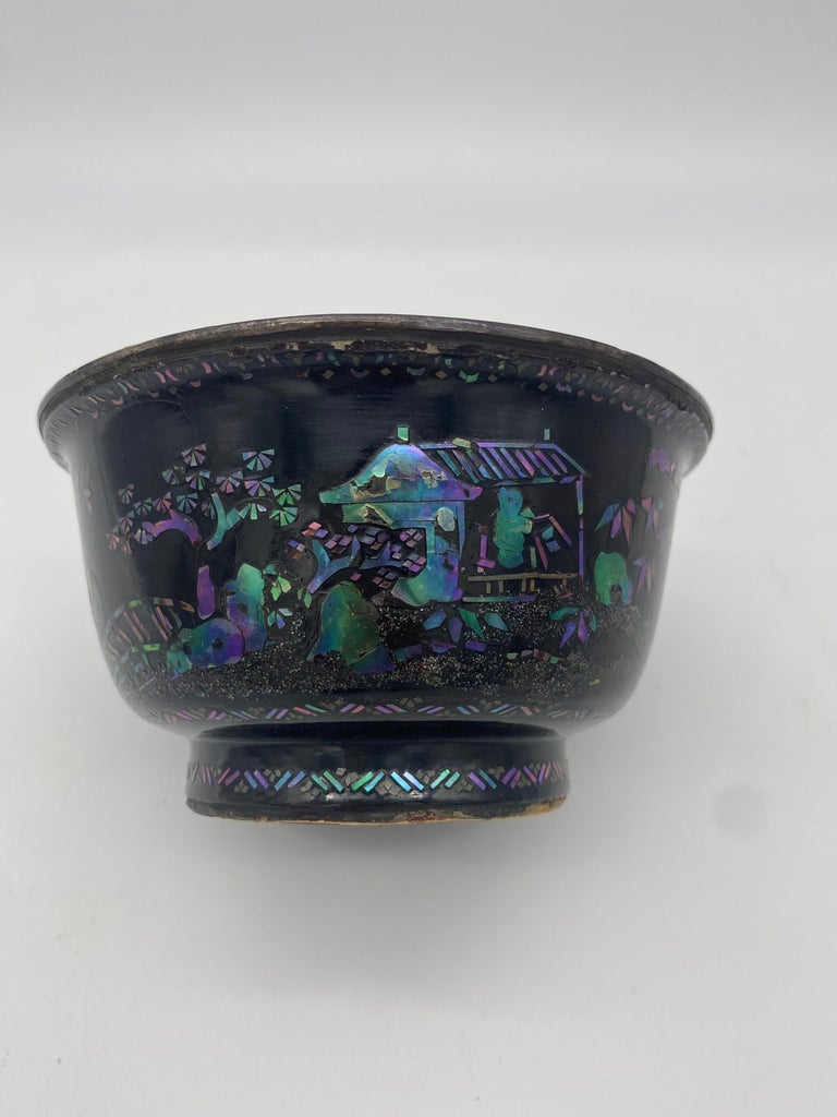 Qing 18th Century Pair of Chinese Silver Lacquer Bowls with Mother of Pearl Inlaid For Sale