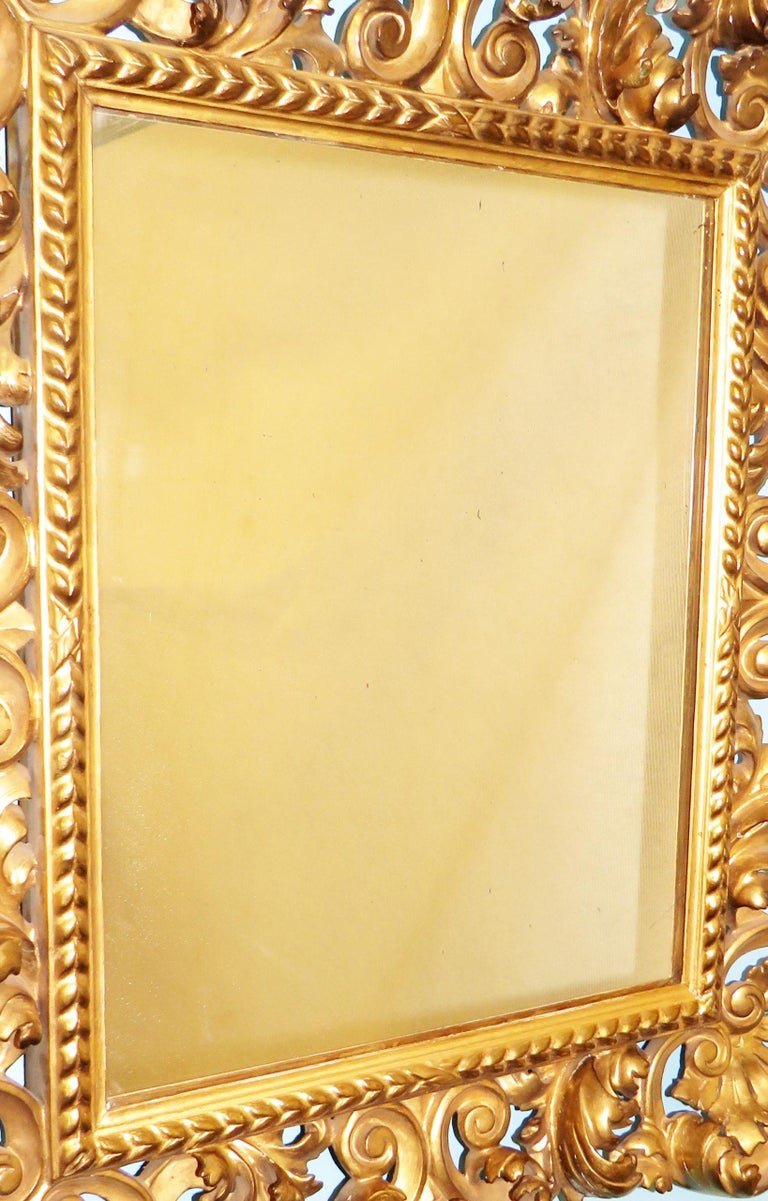18th Century Pair of Italian Florentine Giltwood Wall Mirrors In Good Condition For Sale In Bedfordshire, GB