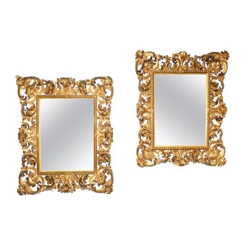 18th Century Pair of Italian Florentine Giltwood Wall Mirrors