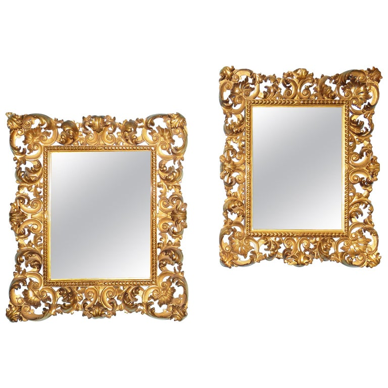 18th Century Pair of Italian Florentine Giltwood Wall Mirrors For Sale