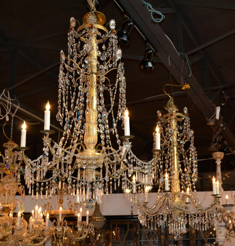 18th Century Pair of Italian Giltwood Crystal Chandeliers For Sale 1