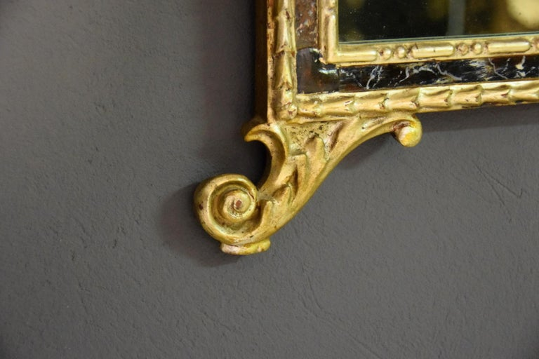 18th Century, Pair of Italian Neoclassical Carved and Giltwood Mirrors For Sale 7