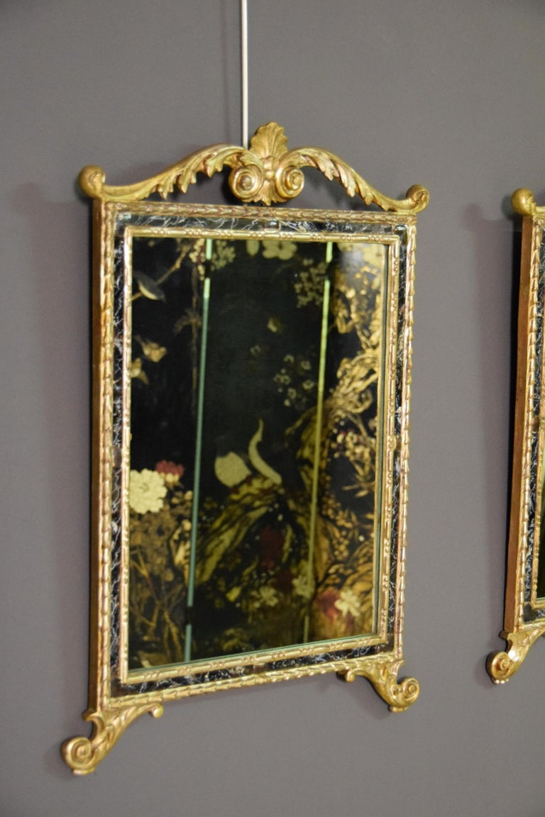 18th Century, Pair of Italian Neoclassical Carved and Giltwood Mirrors For Sale 12