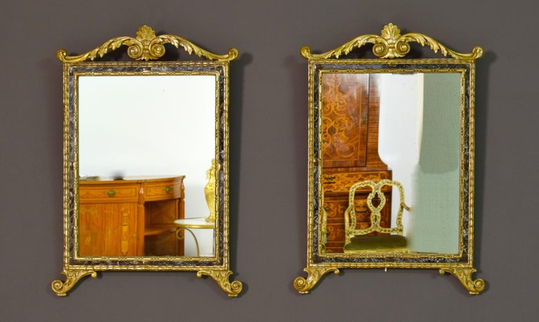 18th Century, Pair of Italian Neoclassical Carved and Giltwood Mirrors For Sale 14