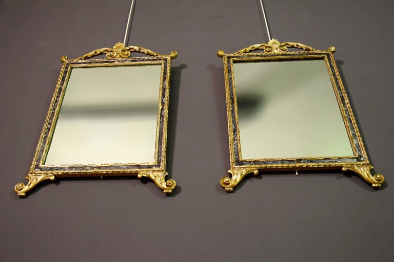18th Century, Pair of Italian Neoclassical Carved and Giltwood Mirrors In Good Condition For Sale In , IT