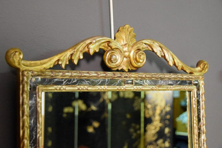 18th Century, Pair of Italian Neoclassical Carved and Giltwood Mirrors For Sale 5
