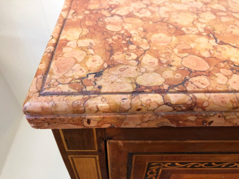 18th Century Pair of Italian Neoclassical Commodes with Bookmatched Marble Tops For Sale 2