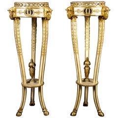 18th Century, Pair of Italian Neoclassical Lacquered and Giltwood Gueridon