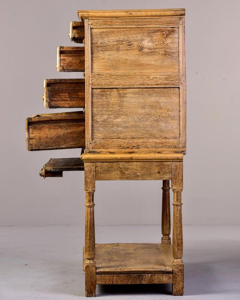 18th Century Pale Oak English Chest of Drawers on Stand In Good Condition For Sale In Troy, MI