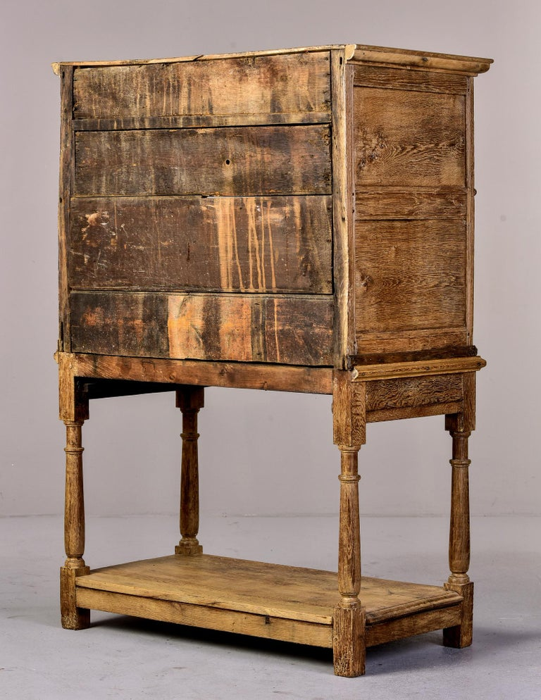 18th Century Pale Oak English Chest of Drawers on Stand For Sale 1