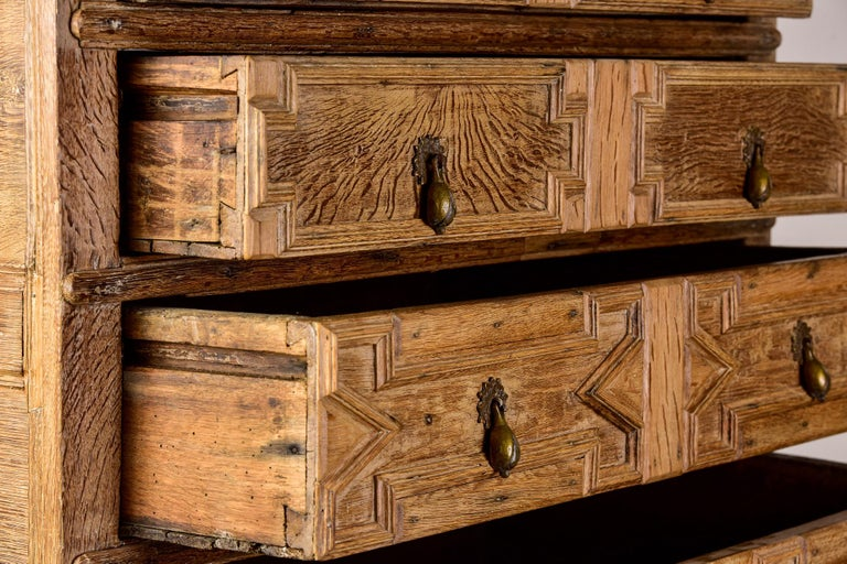 18th Century Pale Oak English Chest of Drawers on Stand For Sale 4